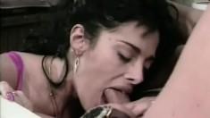Jonathan Morgan fucks slutty babe Sandra Wellington from behind