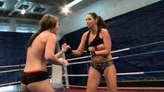 Nude lesbian fighters Eliska Cross and Lisa Sparkle enjoy steamy sex