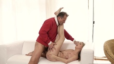 No Daddy Stranger In A Hefty Palace Knows How To Hot You