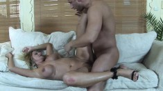Striking cougar with big breasts Lindsay Foxx can't resist a long dick