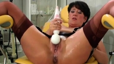 vieille salope squirting et screaming