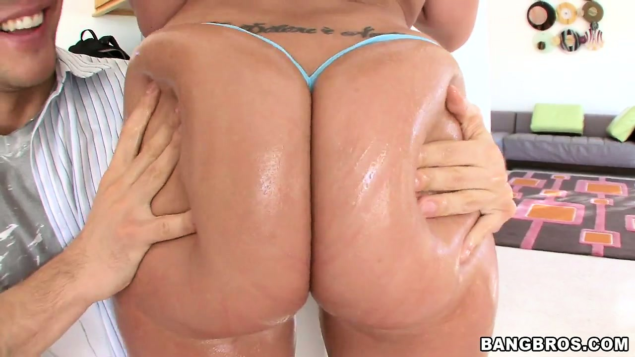 Asses up big oiled